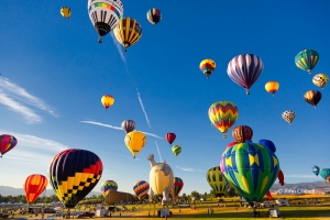 Blue-Sky;Reno-Balloon-Race;Reno-Balloon-Racesballoon-ascending;balloon-takeoff;b