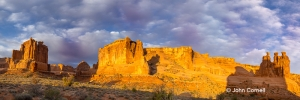 Arches-National-Park;Park-Avenue;Three-Gossips;Utah,-Arches-National-Park,-Canyo